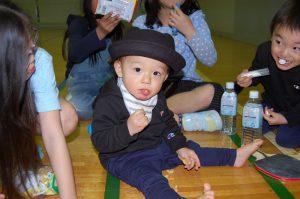 卓球会 戯れる子供
